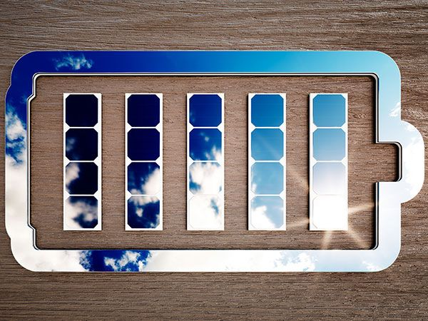 Best Algorithms to Make Solar Power Storage Profitable