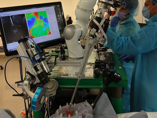 Autonomous Robot Surgeon Bests Humans In World First Ieee Spectrum