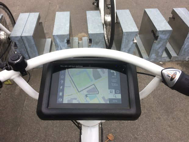 Tablets display user and navigation information on Copenhagen's public bikes