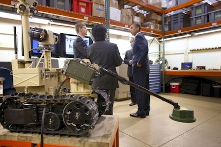 President Obama tours the Natl Robotics Engineering Center
