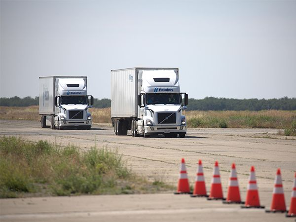 One Driver Steers Two Trucks With Peloton's Autonomous Follow System