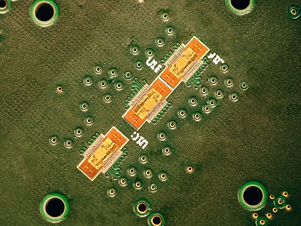 140-GHz radar chips provide a resolution of 15 millimeters.