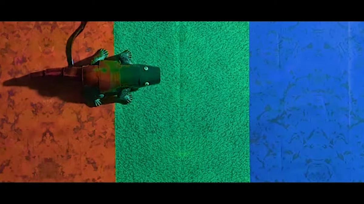 Chameleon robot walking and changing color
