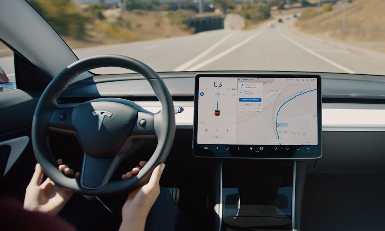Still image from Tesla video showing the autopilot navigation.