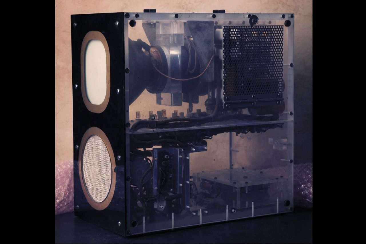 "<strong>Transistor TV prototype (1952):</strong>  In November 1952, RCA demonstrated the <a href=""http://www.semiconductormuseum.com/Transistors/RCA/OralHistories/Herzog/Herzog_Page8.htm"">world's first transistorized television</a>. Developed by George Sziklai, Robert Lohman, and Gerald Herzog, this 5-inch set contained 37 transistors, weighed 12 kilograms, and had only one channel. A rabbit-ear antenna offered decent reception up to 24 kilometers."