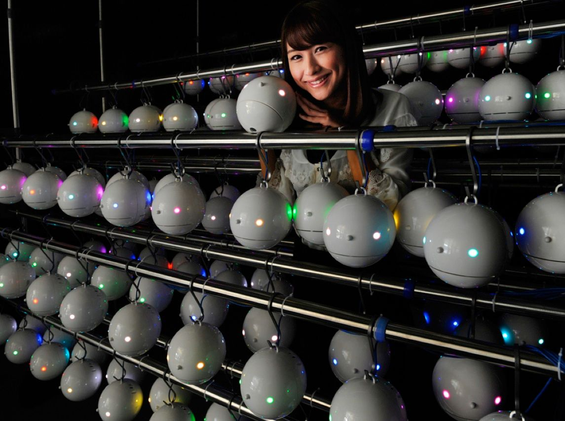 To gather weather data, Japanese company Weathernews is creating a massive network with hundreds of these electronics-studded white Styrofoam globes, known as pollen robots. The devices have LEDs that glow different colors to alert passersby about pollen levels in the air. They also send the pollen data, plus temperature, humidity, and air pressure readings, to meteorologists via the Internet.