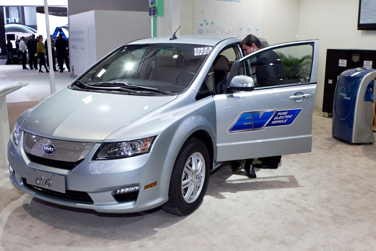 Chinese automaker BYD slipped quietly into the 2011 Detroit Auto Show and stole the thunder of the widely hailed Nissan Leaf and Chevy Volt. The e6 S, whose U.S. version will feature a 160-kW electric motor powered by a 60-kilowatt-hour battery pack, will sell for just US $2220 more than the Leaf, while traveling 322 km between charges—twice the other car's range.