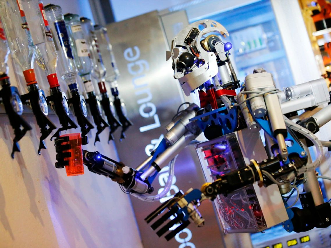 Icandy Better Robot Bartenders And More Tipsy Tech Ieee