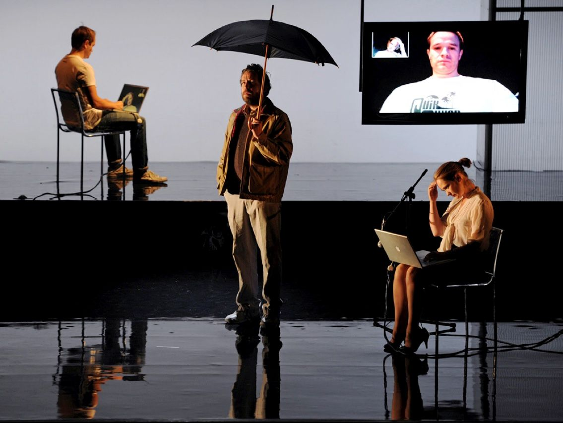 Skype has revolutionized the way we communicate—even on the stage. In a scene from the theatrical production Water at Sydney Theater in Australia, two characters converse via the online chat service. The play, about the deleterious effects of a lack of connection, ran from 13 to 23 September.