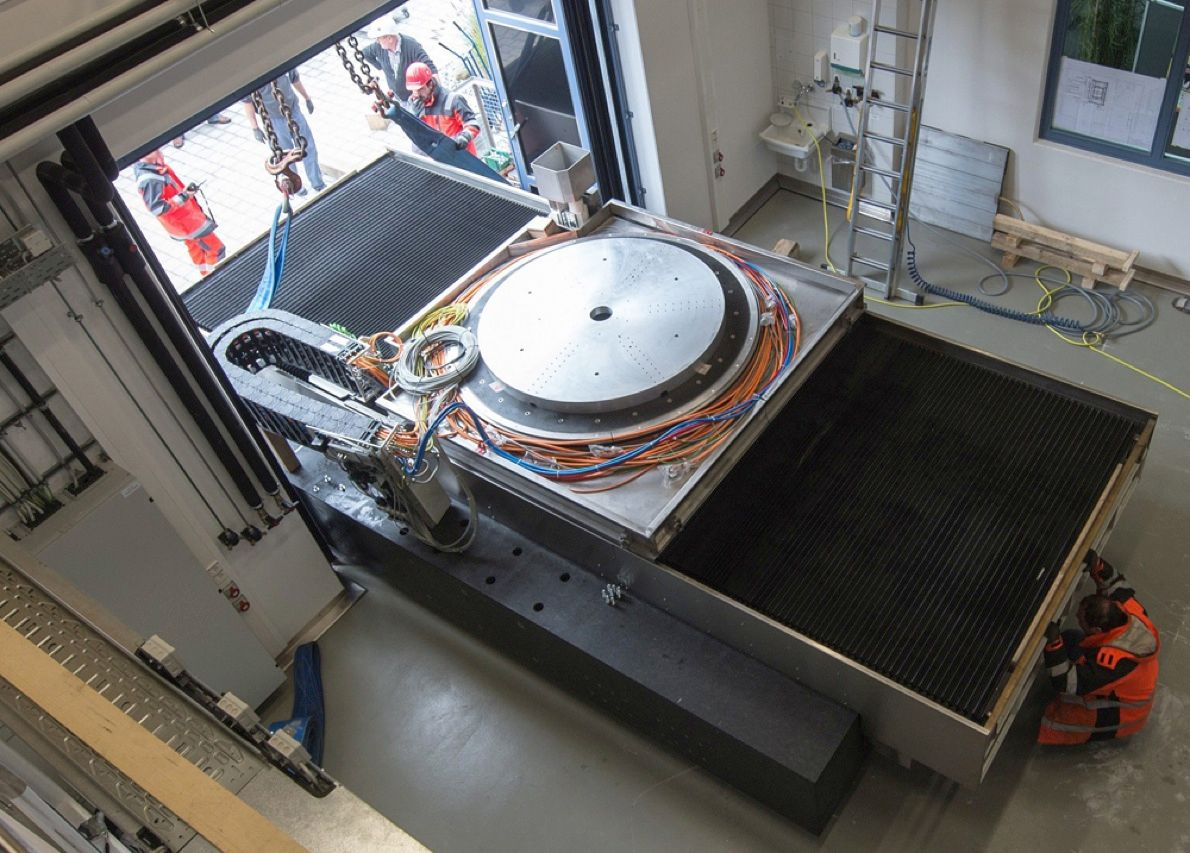 This piece of equipment, which at first glance looks like a turntable designed for a 10-meter-tall DJ, is actually part of what the Deggendorf University of Applied Sciences in Teisnach, Germany, is calling the largest optical machine in the world. The finished product will make the large specialized mirrors needed for the European Southern Observatory (ESO) in northern Chile. The main mirror for ESO's E-ELT telescope will have a diameter of 39.3 meters.
