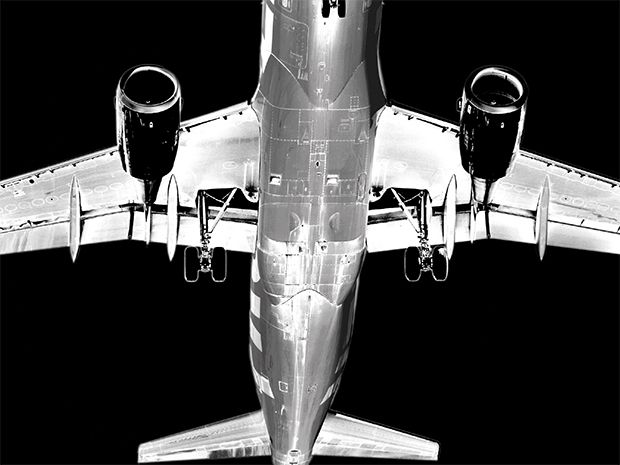 Image of an airplane.