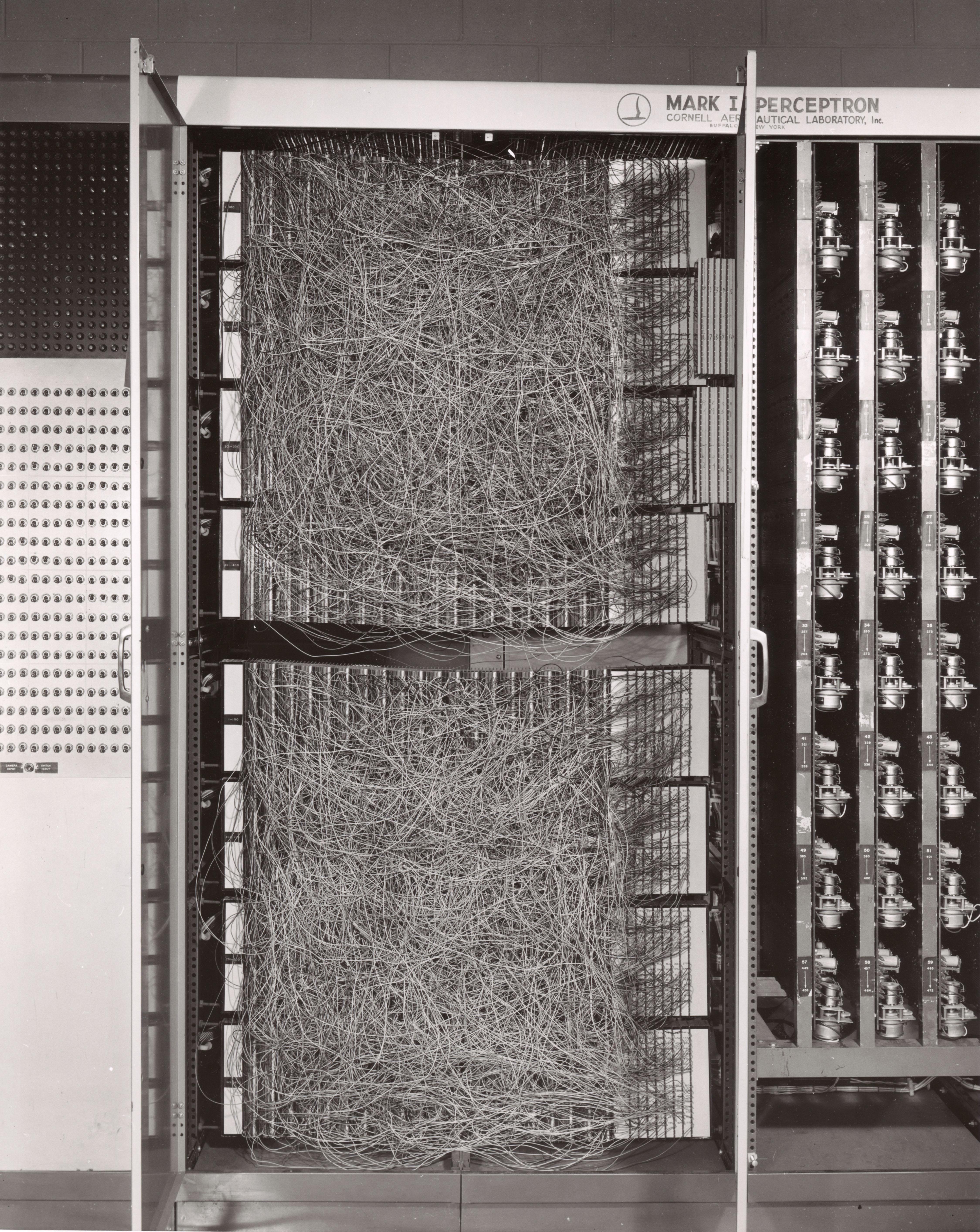 Image of the 1958 perceptron.