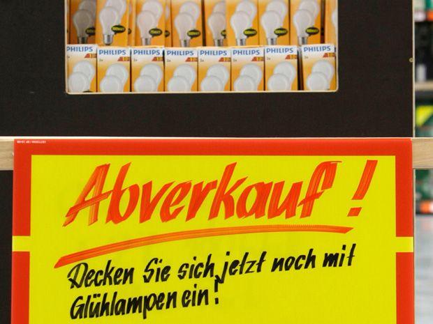 Deutschland Devours the Last of Its 100-Watt Incandescent Bulbs