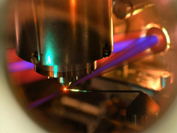Laser Switches Insulator to Conductor and Back in Femtoseconds