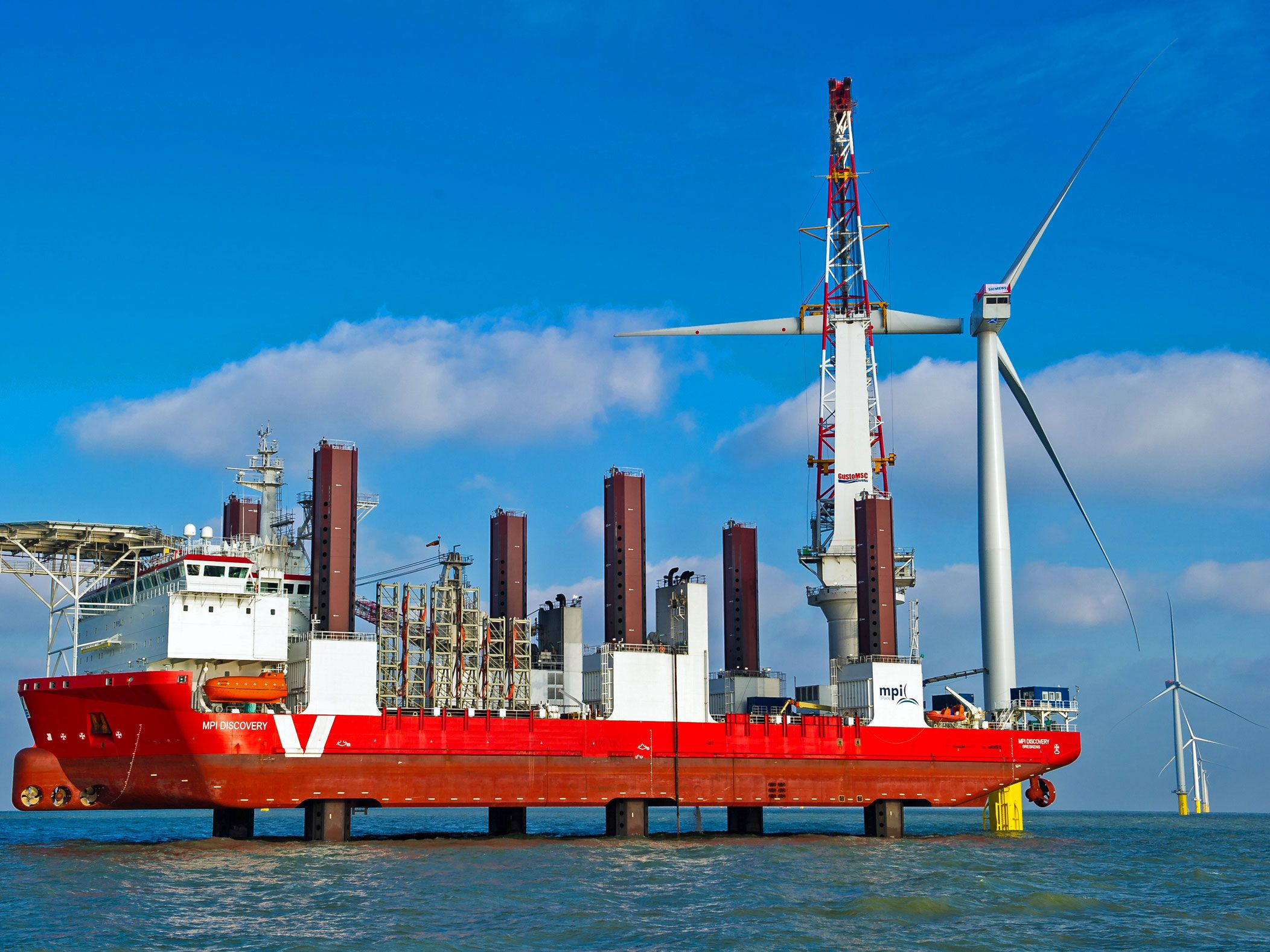 World's Biggest Offshore Wind Farm Switched On in Britain
