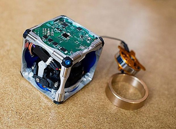 MIT Deploys Swarm of Self-Assembling Robot Cubes