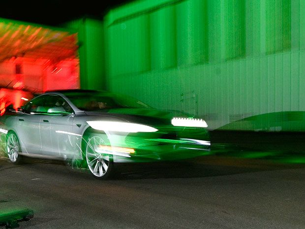 Tesla's Model S Will Offer 360-degree Sonar