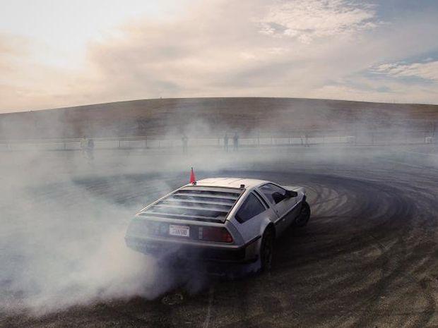 Watch Stanford Researchers Test Their Autonomous Drifting DeLorean