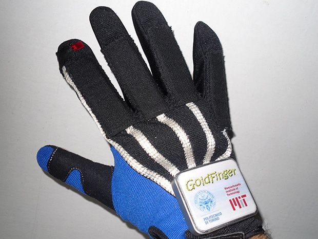 VR Glove Powered by Finger Motions