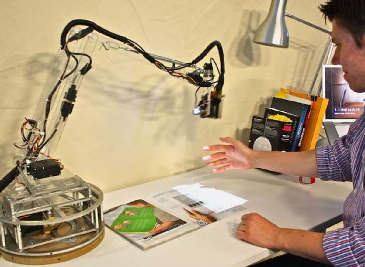 MIT Robot Lamp Turns Desk Into Interactive Surface