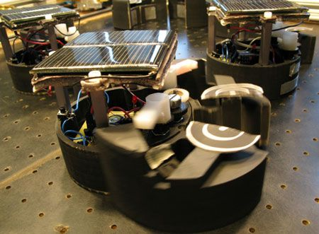 Stochastic Robots Assemble and Disassemble Themselves