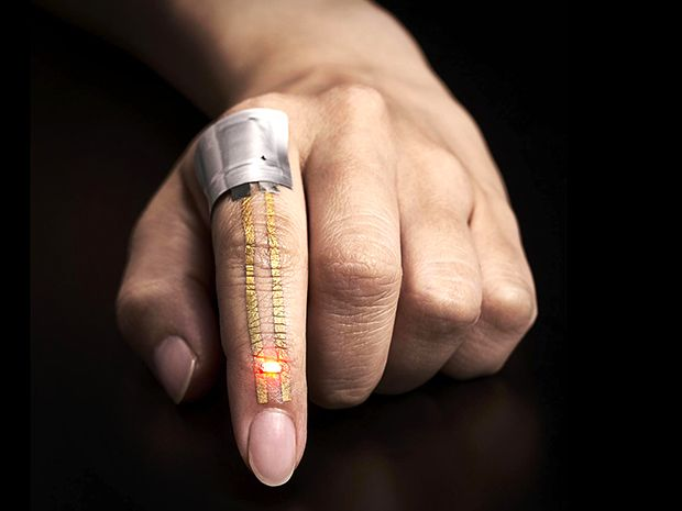 Index Finger with Gold Nanomesh Conductor