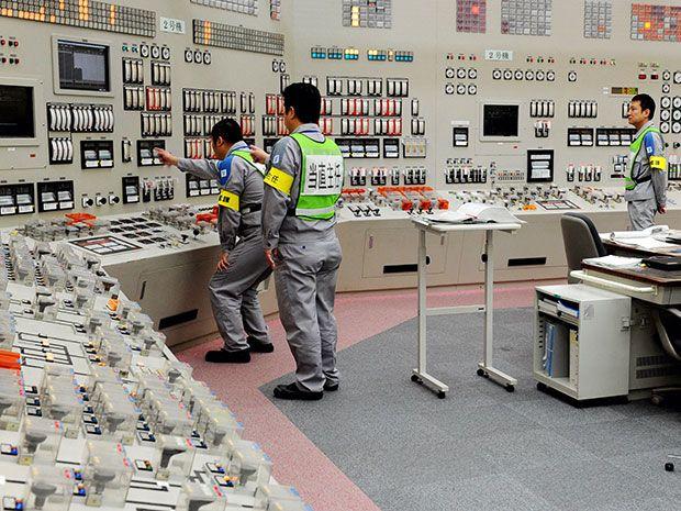 Kyushu Earthquake Swarm Raises Concerns Over Nuclear Plant Safety