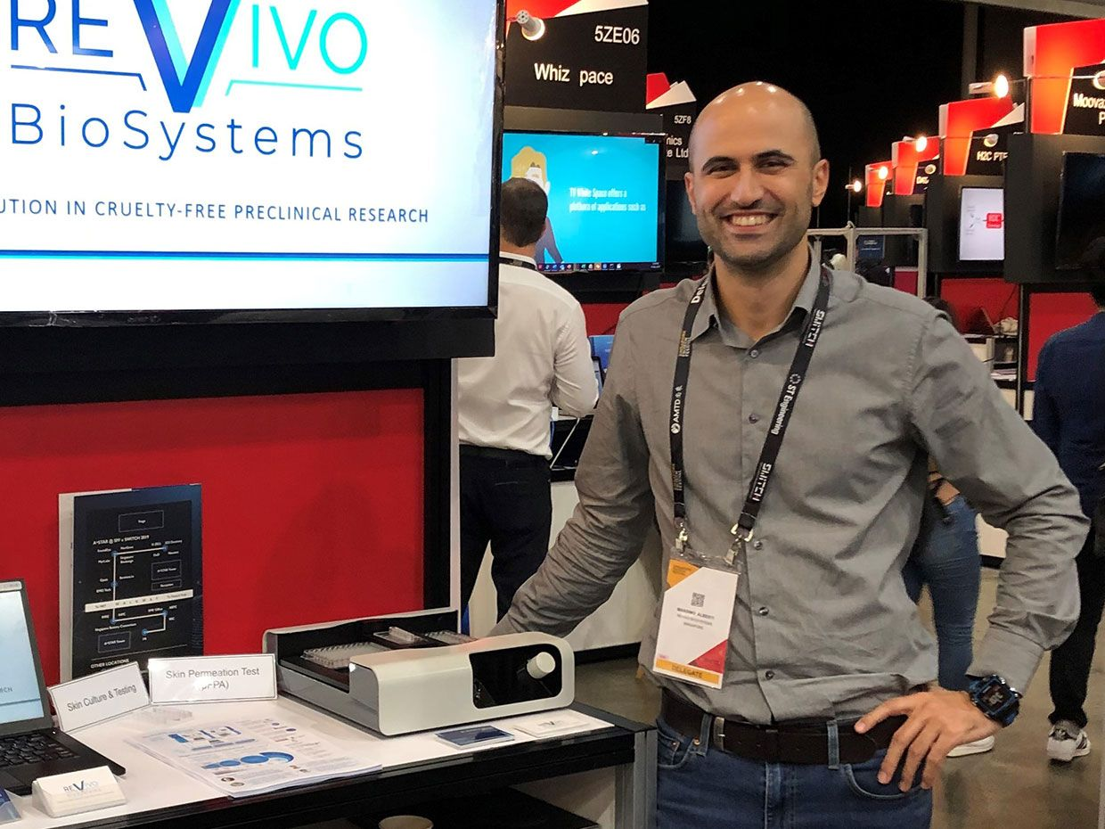 Massimo Alberti, founder and CEO of Revivo Biosystems, with the company's product at Slingshot 2019.