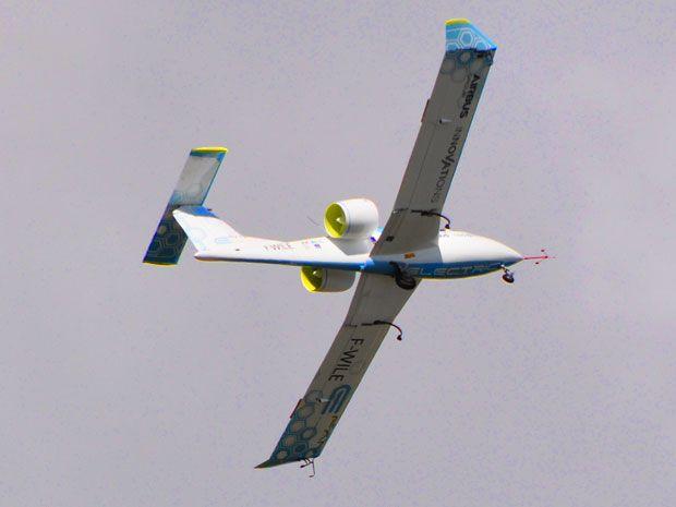 Airbus's E-Fan Electric Plane Takes Flight