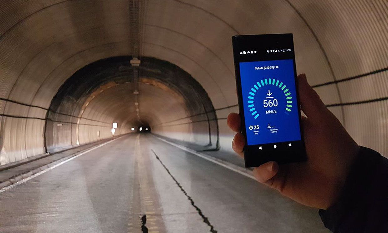 Several companies worked together to demonstrate download speeds of 560 megabits per second in a 20-kilometer tunnel as part of Norway's Follo Line project.