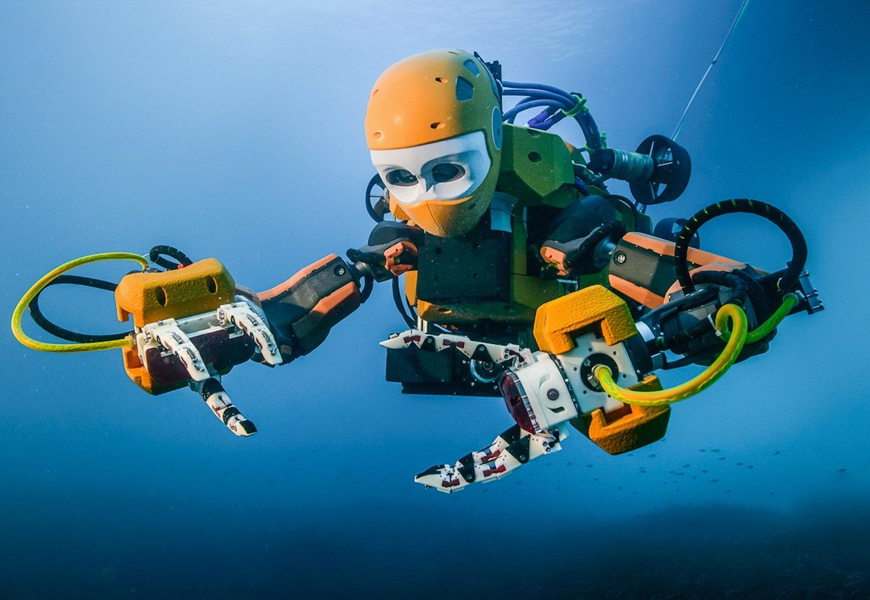 Stanford's Ocean One is a hybrid between a humanoid robot and an underwater remotely operated vehicle.