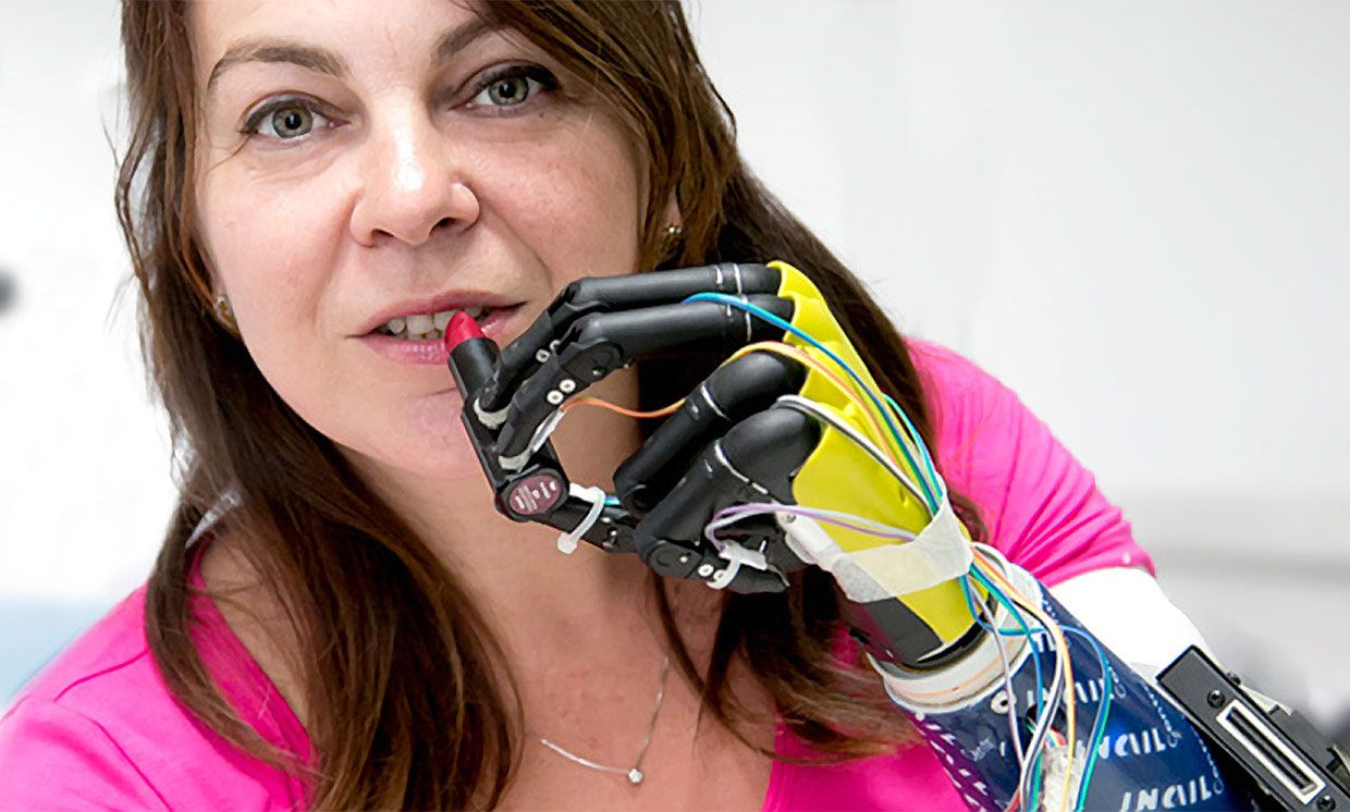 The amputee participant used no-slip grasping to apply lipstick with her prosthetic hand.