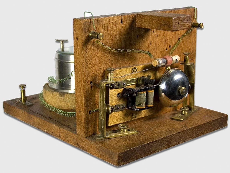 The Popov lightning detector.