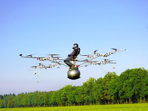 Thomas Senkel flying